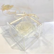 Білий стабілізований бутон троянди в подарунковій коробці Lerosh - Premium
