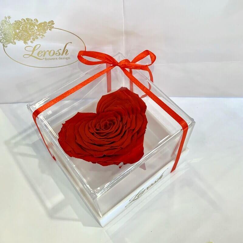 Червоний стабілізований бутон троянди серце в подарунковій коробці Lerosh - Premium