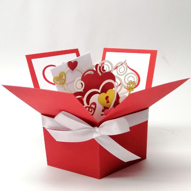 Об'ємна ексклюзивна листівка коробочка З любов'ю