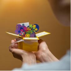 Об'ємна 3-Д листівка коробочка з Днем народження!