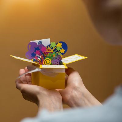 Объемная открытка коробочка с днем рождения Тортик